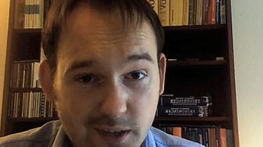 De Konservatives folketingskandidat Nicolaj Bang karakteriserer i en video på sin hjemmeside romaer som kleptomaner, der har fået lov til at stjæle af Gud. Lederen af roma-foreningen Romano er forfærdet over udtalelse