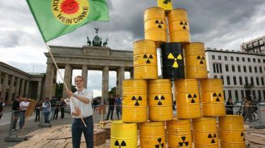 I lang tid har der været protesteret over den indflydelse, de store energiselskaber har haft på de tyske politikere.