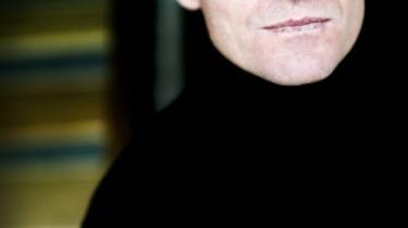 Forfatteren Peter Høegh kan anmelderne ikke greje. Har han dem til bedste?