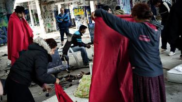 En gruppe romaer, som opholdt sig på Amager, blev i sommer anholdt og udvist af Danmark, selv om de som EU-borgere' -ifølge Udlændingeservices egen vejledning - nyder en særlig beskyttelse mod udvisning'
