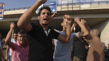 Demonstranter mødte op i Beiruts lufthavn fredag for at støtte Jamil al-Sayyed. Hans hjemvenden efter fire års fængsel i Paris trækker fløjene skarpt op i Libanon. Hvis fjendtligheder bryder ud, kan Syrien tilbyde at genoprette ro og orden - og Syrien er med andre ord tilbage som en afgørende faktor i libanesisk politik efter fire-fem års fysisk fravær.
