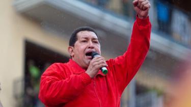 Søndag er der valg i Venezuela, hvor der skal vælges et nyt parlament. 165 pladser er i spil. Præsident Hugo Chávez' embede stemmes der ikke om, men det betyder ikke, at den populære og karismatiske præsident har lænet sig tilbage og ageret passiv tilskuer under valgkampen. For det handler stadig om Chávez - om hans politiske blok og om hans politiske projekt. Billedet her stammer fra en tale tidligere på ugen.