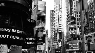 N.Y. Både 'Downtown' og 'Gotham City' er båret af forfatternes fascination af byen, forbrydelserne, kunsten og hverdagen. Resultaterne er dog vidt forskellige.