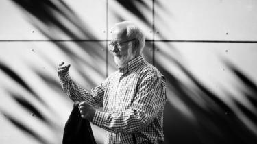 Farvel. Mange af dem, der kritiserer os, burde læse læse vores høringssvar til politikerne. Der er vi lige så kontante, som alle andre, siger Jørgen Chemnitz, der efter 26 år som asylchef i Dansk Røde Kors nu har takket af.