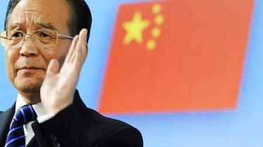 Premierminister Wen Jiabao taler om politisk liberalisering, men censuren blokerer for hans ord i Kina. Det er tegn på magtkamp i toppen af kommunistpartiet om lederskabets eftermæle