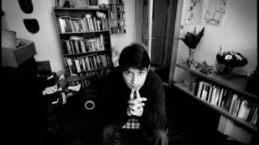 Ny digtsamling af Pablo Llambias rejser spørgsmålet: Er der slet ikke grænser for, hvilke private hændelser boglæsere behøver at blive inddraget i?