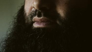 Iman Abu-Alamin fra Odense lader sig interviewe for første gang for at give sit syn på de misforståelser, der har været talt om mellem muslimer i Vollsmose.