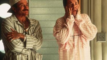Der har aldrig været så mange homoer på film, som der er nu - hverken i mainstream Hollywoodfilm eller i det blæret kuraterede udvalg af film, som 25-års jubilaren Copenhagen Gay and Lesbian Film Festival fra i morgen og ugen ud viser på skærme i landets større byer. Følg det 'bøssedes' slingrende filmhistorie fra 'sissies' over crossdressers til bromances