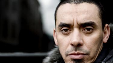 Slim Chafra, som kun er på tålt ophold i Danmark i forbindelse med, at han er sigtet for mordtrusler mod tegneren Kurt Westergaard. Han har været anholdt siden februar 2008.