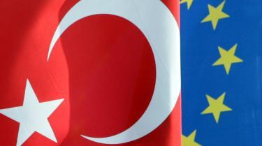 Der er lange udsigter til Tyrkiets medlemskab af EU. Landet har nemlig ved mere end en lejlighed erklæret, at hvis det skal vælge mellem et EU-medlemskab og Cypern, vil det vælge Cypern.
