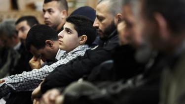Hvem er de? Er de indvandrere eller muslimer? Det er det, der for alvor har skabt splittelse blandt borgerlige debattører og udløst en strid med mindelser om gamle dages interne venstrefløjsslagsmål