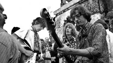 Musikgruppen Steppeulvene, med Eik Skaløe (nummer to fra højre) i front, eksisterede kun et år og udgav i 1967 pladen 'Hip', som for eftertiden kom til at stå som et symbol på ungdomsoprøret og blev et selvstændigt kapitel i dansk rockhistorie.