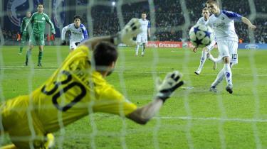 Mezza punta. Grønkjær befandt sig godt som manden i hullet, der driblede sig til et korrekt dømt straffespark og bragte FCK foran med 2-0.
