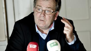 Det er klart, at når kommunerne ikke har kunnet styre økonomien i 2010, så skal der ske en tilpasning til budgetterne. Er der brugt for meget i år, skal der bruges mindre næste år, sagde finansminister Claus Hjort Frederiksen (V) i går, da han fremlagde regeringens økonomiske redegørelse.