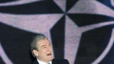 Albaniens statsminister,   Sali Berisha, er populær   hos nabolandenes   albanske mindretal og understøtter aktivt ideen   om et Storalbanien.