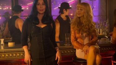 'Burlesque' er ét klamt kaninhul, Informations anmelder ikke klemmer sig igennem igen