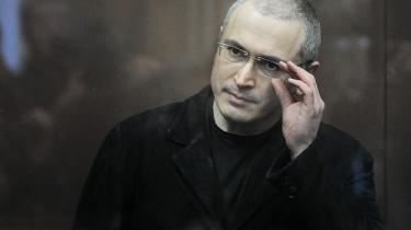 Den russiske oliemilliardær Mikhail Khodorkovskij fik i går endnu en dom, som sammen med den, han afsoner nu, giver ham 14 år i fangelejr. Men det er en farlig dom for det putinske styre, for oligarken er ved at udvikle sig til et symbol på kampen for et andet Rusland