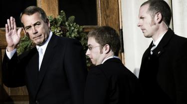 John Boehner ved ankomsten til Repræsentanternes Hus i går, hvor han blev indsat som ny formand efter demokraten Nancy Pelosi. Hans parti har nu flertal af paldser, og derfor skifter formandsposten også parti.