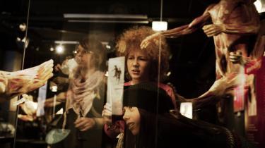 Mejse Grønborg Koch (12 år,   i midten) var sammen med sine veninder, Emilie Jacobsen Bichel (13 år, t.h.) og Astrid Jaxlev Fomsgaard (13 år, t.v.), på skoleudflugt til udstillingen 'Body Worlds' på Experimentarium.