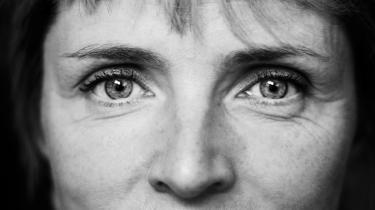 Når kvinderne gør deres indtog, bliver faget for folkeligt til mændene, mener forfatter og feminist Hanne-Vibeke Holst