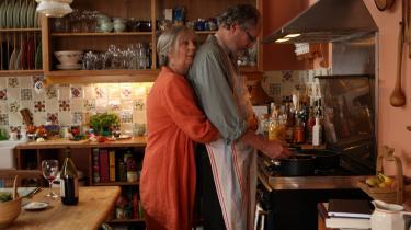 Hverdagsdramaer. I Mike Leighs 'Another Year' har en af hovedpersonerne, Gerri, ladet sin dør stå åben for Mary i årevis. Hjemmet er et åndehul af omsorg for den midaldrende dame, der ensom og desperat er på jagt efter en mand.