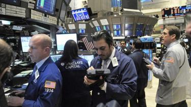 Modellen for vores tids   bobler er den globale finanskapitalisme På billedet ses børsmæglere på arbejde på New York Stock Exchange.