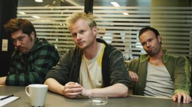 Det er særegent fotogene Jonatan Spang, der står for de bedste øjeblikke i komedien 'alle for én'