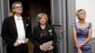 Det var i forsvar for sin ministerkollega Birthe Rønn Hornbech (V), at Søren Pind (V) ytrede sig om, at juraprofessor Claus Haagen Jensen 'er en skændsel for juraen'. Her er Pind, Rønn og ministerkollega Lykke Friis til nytårskur hos dronningen.