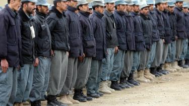 Den amerikanske hær har gennemført en omfattende rekrutteringskampagne for at få flere afghanere til at melde sig til de afghanske sikkerhedsstyrker og til politiet.