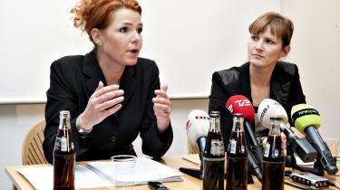 Den 1. marts skal beskæftigelsesminister Inger Støjberg (t.v.) og socialminister Benedikte Kiær (K) i samråd om regeringens forslag til seniorførtidspension. Forslaget møder kritik blandt andet for at forringe den eksisterende ordning.