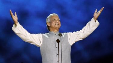 Ikonet Muhammad Yunus stod i spidsen for en institu°©tion, der har v©°ret kritiseret for lukkethed. °ØDet har jo til tider virket som en religion. Hvis Yunus°Ø afskedigelse kan s©°tte gang i en debat og ©™ge gennemsigtigheden, s? vi faktisk kan f? at vide, hvad der virker og hvad der ikke g©™r, hilser jeg det velkommen,°Ø mener Poul Buch-Hansen, der er mange?rig konsulent for Danida.