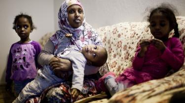 Laily Abdeli Shired troede, hun slap for muslimske imamers moralske indblanding i sit liv i Danmark, men nej. Hendes hjemkommune bruger hans ord mod hende.