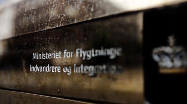 Integrationsministeriets halvandet år lange jagt på oplysninger fra de øvrige nordiske lande kan ifølge eksperter kun have haft ét formål: at blåstemple den ulovlige danske praksis
