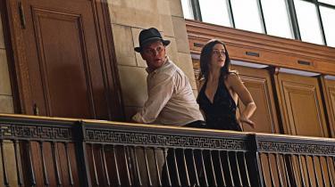 Sødsuppe. Som utallige amerikanske film bliver 'The Adjustment Bureau' til slut overdrevent sentimental og endda selvhøjtidelig. Det er ærgerligt, fordi Damon og Blunt har vaskeægte kvalitetskemi kørende.