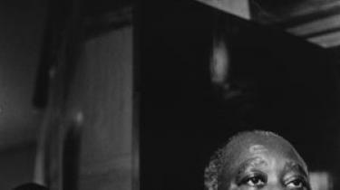 Oppositionsleder Alassane Ouattaras oprørsstyrker forbereder det endelige angreb for at gribe den magt, som præsidenten trods sit valgnederlag nægter at afgive på fredelig vis