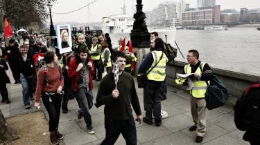 The Morning Star delte 30.000 gratis aviser ud til de frem-mødte demonstranter til lørdagens march i London. Det var læserne selv, der mødte op og delte avisen ud til de marcherende. Alt efter hvem man spørger, så deltog mellem 250.000 og 400.000 englændere i demonstrationen, og alle aviser på nær et par hundrede blev delt ud. De overskydende røg på genbrugsbilen, der sammen med en hær af skraldemænd fulgte i hælene på mennesketoget gennem Londons gader.