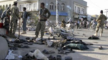 De afghanske sikkerhedsstyrker måtte i weekenden forsøge at håndtere både optøjer og en større eksplosion i Kandahar, da uroligheder — ansporet af en amerikansk præsts afbrænding af et eksemplar af Koranen — eskalerede.