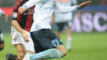 Matadoren. Helten i Napoli er for tiden uruguayaneren Edison Cavani, kaldet El Matador. Sammen med Udineses Antonio Di Natale ligger Cavani øverst på den italienske topscorerliste med 25 mål.