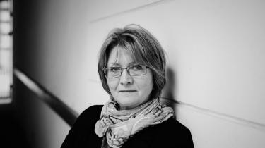 Eva Gabrielsson levede i en årrække sammen med nu afdøde Stieg Larsson, der efter sin død solgte millioner af bøger om journalisten Mikael Blomkvist og hackeren Lisbeth Salander. Nu er hun aktuel med sin egen bog. 'Millenium — Stieg og mig', om netop livet med Larsson.