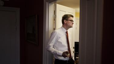 Under overskriften Operation Morgenluft har integrations-minister Søren Pind lanceret en ny åbenhed i sit ministerium. Alligevel skjuler ministeriet oplysninger i statsløse-sagen, ifølge eksperter i strid med offentlighedsloven.