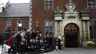 Pressefotograferne var klar foran Holmens Kirke allerede nogle timer inden den royale barnedåb.
