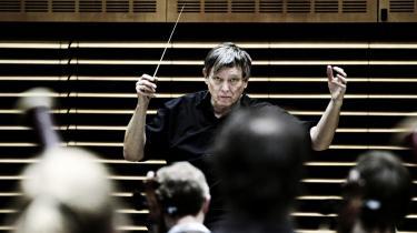 Chefen for ensemblerne på Det Kgl. Teater Michael Schønwandt viste i fredags hele sit berømmede talent for at styre et gigantisk musikdramatisk apparat, det var forløsende på alle leder og kanter.