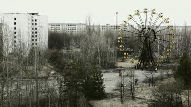 Forladt. Borgerne i byen Pripjat få kilometer fra atomkraftværket blev evakueret dagen efter atomulykken. De fik ikke meget med sig og troede, at de ville vende tilbage til deres hjem. Hvor der engang var skoler, familier og legende børn, er der nu tomt og spøgelsesagtigt. Man må ikke bo i området længere.
