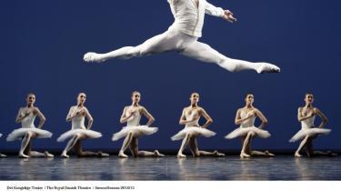 Alban Lendorf har evnen til at sejle gennem luften, som om tyngdekraften ikke gælder for ham. Det viste han i balletten 'Etudes' på Gamle Scene i lørdags — hvorefter han velfortjent blev udnævnt til solodanser.