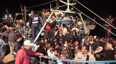 Ifølge det italienske indenrigsministerium er mindst 36.000 flygtninge og migranter ankommet til den italienske ø Lampedusa i 2011. Det er over dobbelt så mange som i de to foregående år tilsammen.