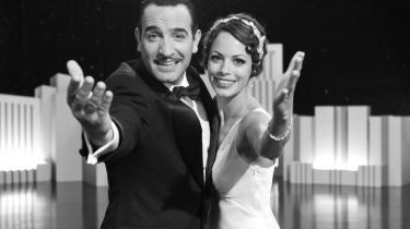 Nostalgi. Hovedpersonerne i 'The Artist', George Valentin og Peppy Miller, er løst baseret på blandt andet Douglas Fairbanks og Mary Pickford, og filmen er i det hele taget proppet med referencer til det gamle Hollywood.