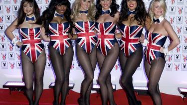 Seks Bunny-piger vedåbningen af den britiske Playboy Club på Park Lane i London.