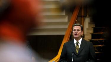 Den tyske udenrigsminister, Guido Westerwelle, sagde under et besøg i Benghazi i går, at Tyskland anerkender oprørernes Nationale Overgangsråd, NTC, som ifølge ministeren er den eneste legitime repræsentant for det libyske folk.