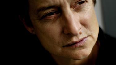 Jødisk kritik. Jeg er jøde og bestemt ikke anti-semit, så spørgsmålet er, hvorfor kritik af israelsk statsvold bliver opfattet som antisemitisk, siger Judith Butler. Kritik af Israels illegale besættelser ligger tværtimod etisk i forlængelse af den jødiske tradition, siger hun.