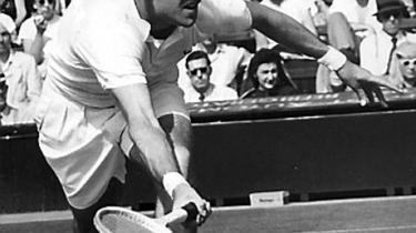 Kurt Nielsen, det 20. århundredes største danske tennisnavn, grand slam-mester og dobbelt Wimbledon-finalist, blev 80 år